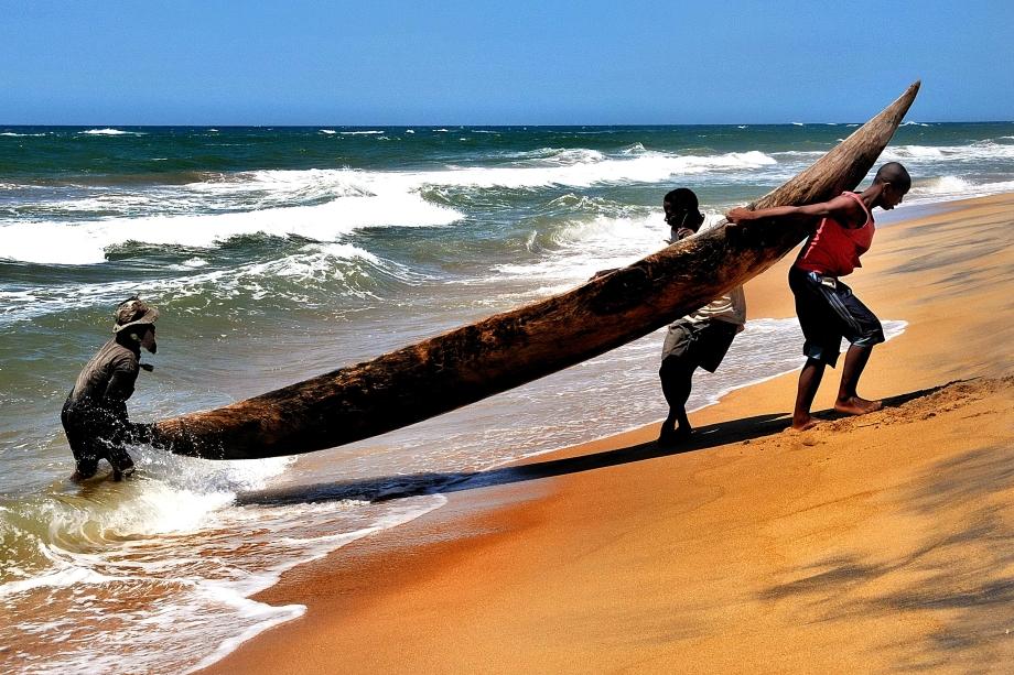 3 Piroguiers Canal du Mozambique